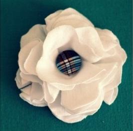 цветок из ткани, декор одежды, полезные мелочи своими руками