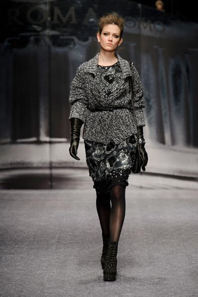 красивая модная одежда, модные показы, тенденции моды осень-зима, Laura Biagiotti, осень-зима 2013-2014