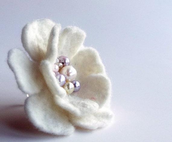 украшения своими руками, брошь цветок, кольцо с цветком, цветок из фетра, цветок из шелка