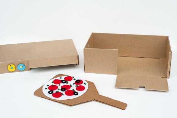 igra-dlya-detej-iz-kartona-i-fetra (2)