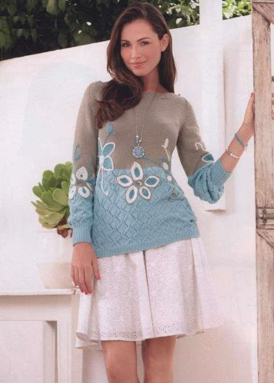 pulover-s-vyvyazannymi-cvetami (1)
