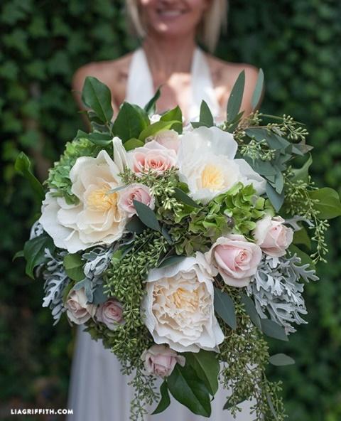 svadebnyj-buket-iz-bumazhnyx-cvetov (2)