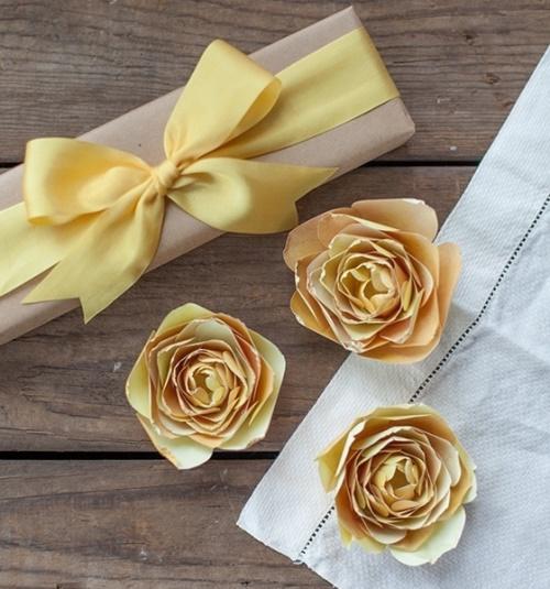 декор для дома, поделки из бумаги, праздничный декор, украшения своими руками для дома, цветы своими руками