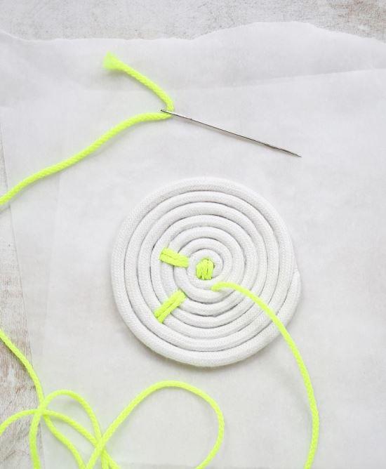 Подставки под горячее из веревки, полезное рукоделие, полезные мелочи своими руками, украшения своими руками для дома,
