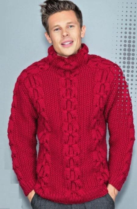 Мужской вязаный спицами свитер с косами