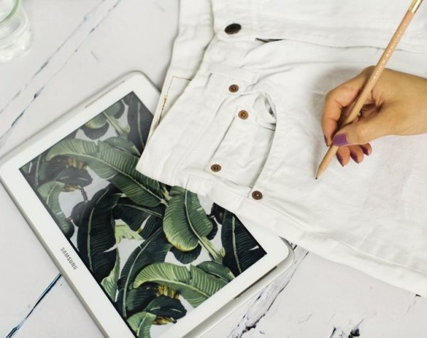 Как нарисовать на шортах тропический принт