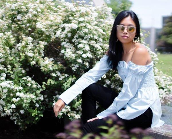 Блуза с открытыми плечами из обычной рубашки