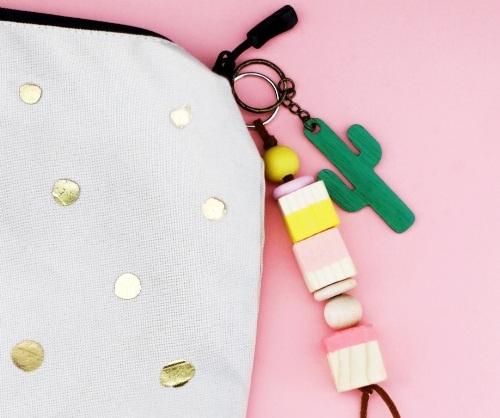 27 идей как сделать модный брелок своими руками