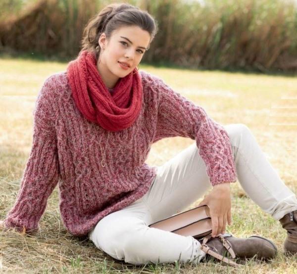 Вязание для женщин. Пуловер с косами и шарф-петля