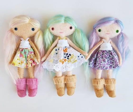8 кукольных домиков и куколки из фетра