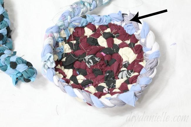 Пасхальная корзинка из ткани
