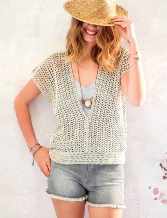 Летний пуловер с фантазийным узором крючком