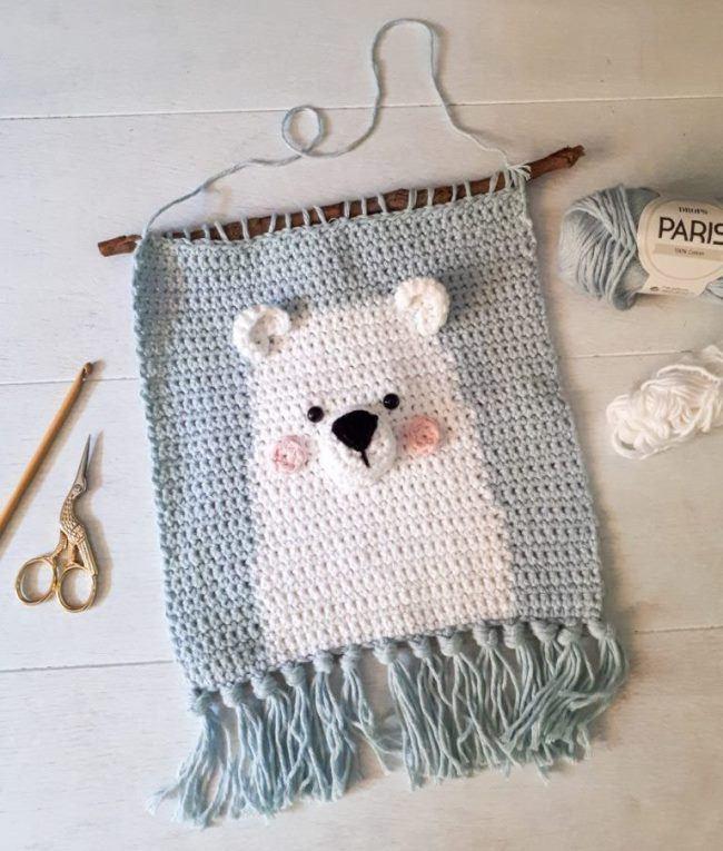 «Вязаный мишка» — декоративное панно для детской