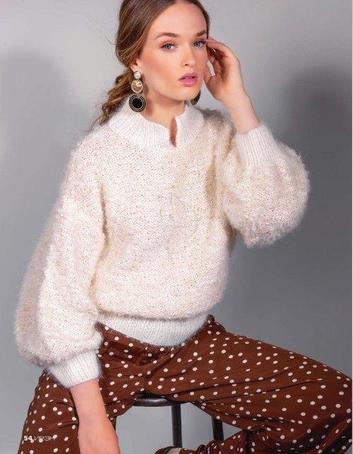 Пуловер с воротником стойкой и объемными рукавами