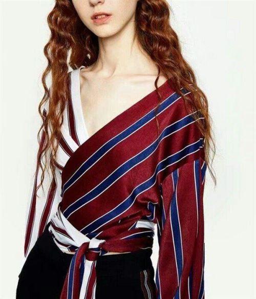 Модные тренды: Двухцветное платье