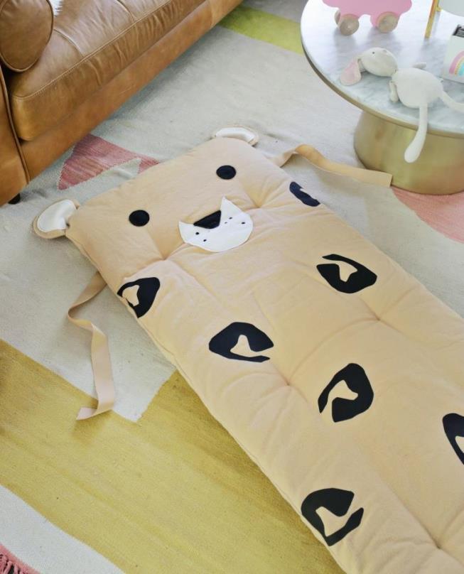 Леопардовый друг. Как сшить детский коврик-мат своими руками