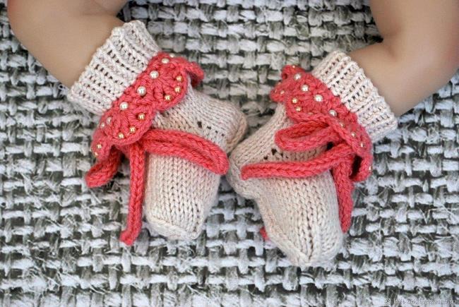 вязаные носочки для новорожденных