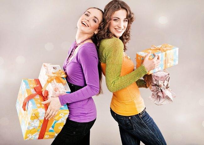 Какой подарок подарить подруге