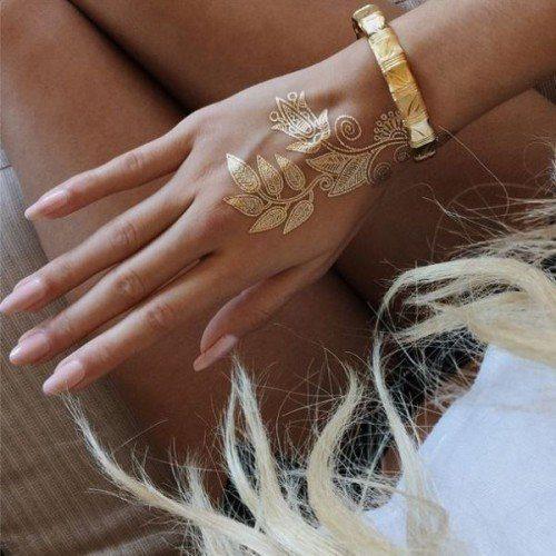 флеш-тату, татуировки, модные тенденции, тенденции моды весна лето, стильный образ,