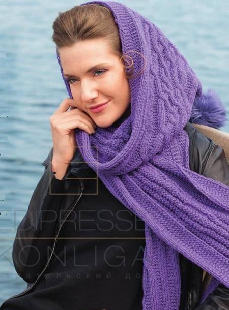 Вязаный спицами шарф-капюшон